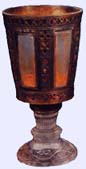 http://www.indianajones.es/objetohistoria/fotos/grial-copa-hierro.jpg